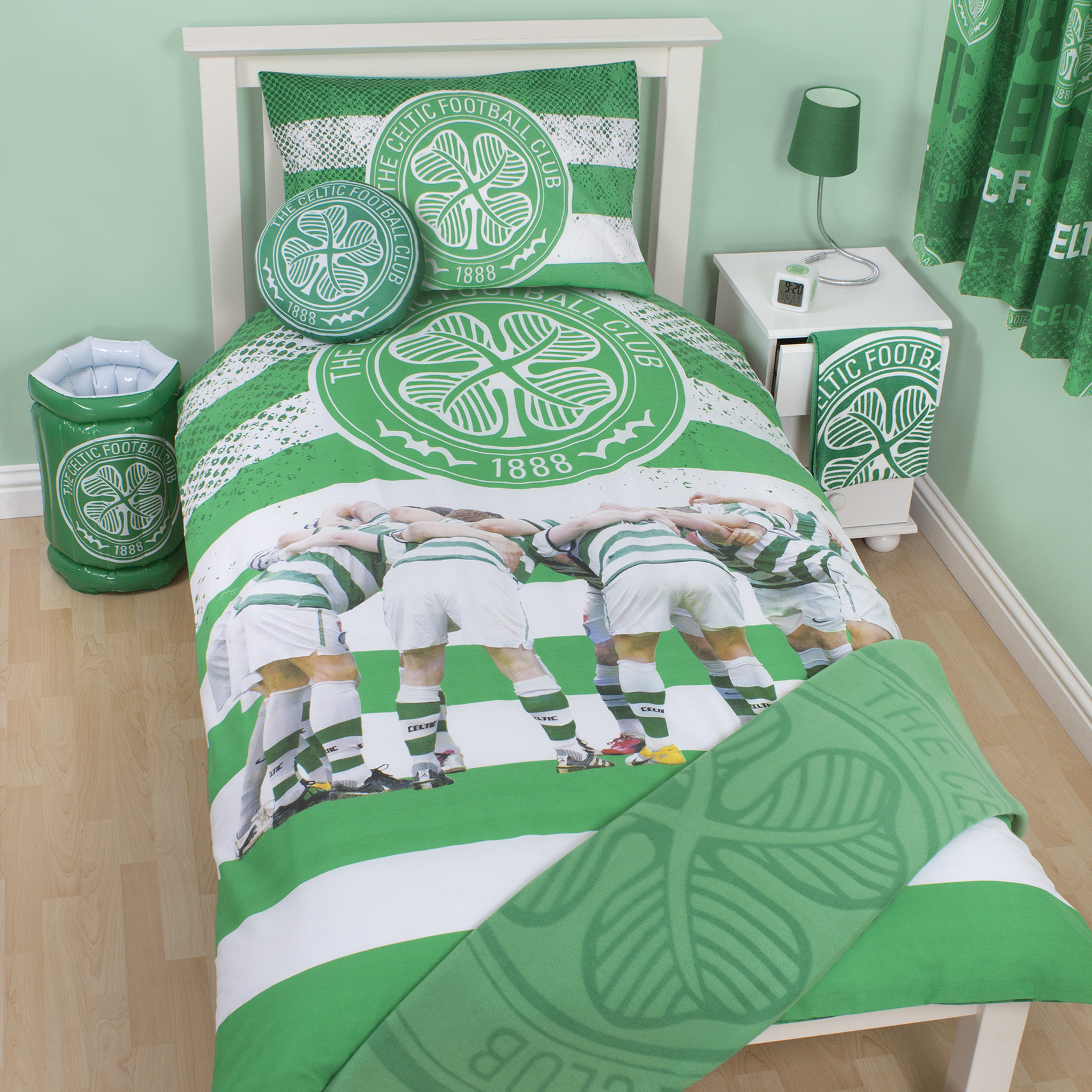 Celtic Huddle Duvet - Single