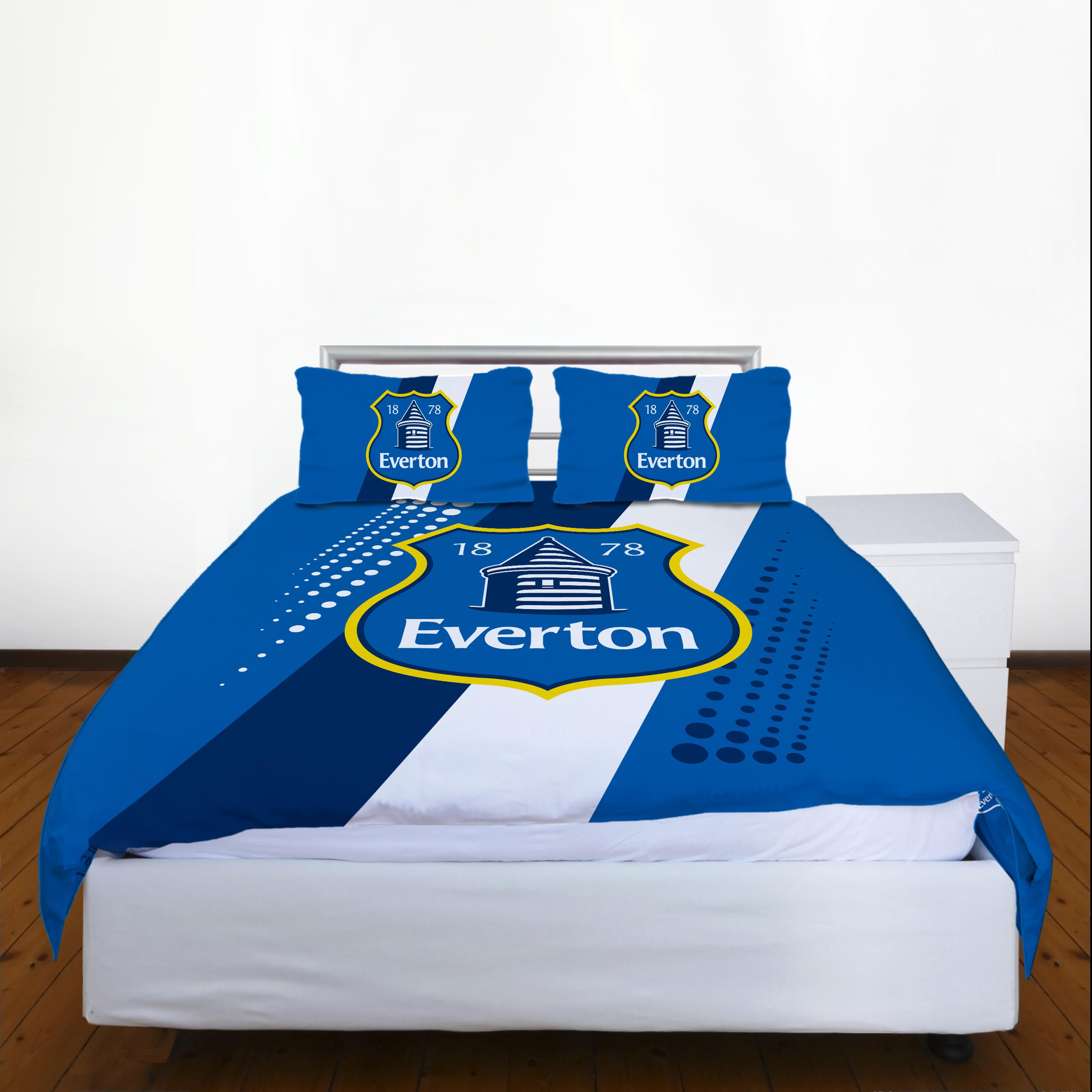 Everton Crest Double Duvet