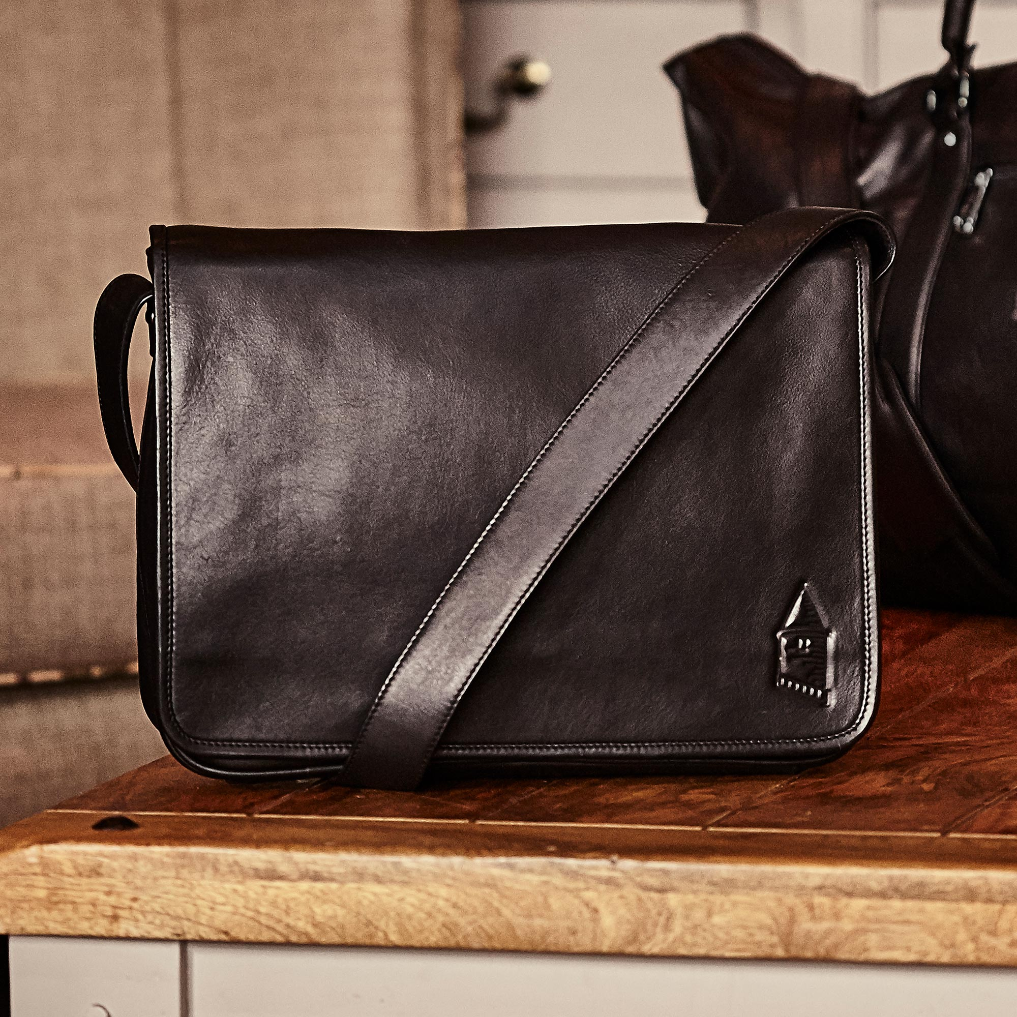 Everton 1878 Nappa Leather Messenger Bag