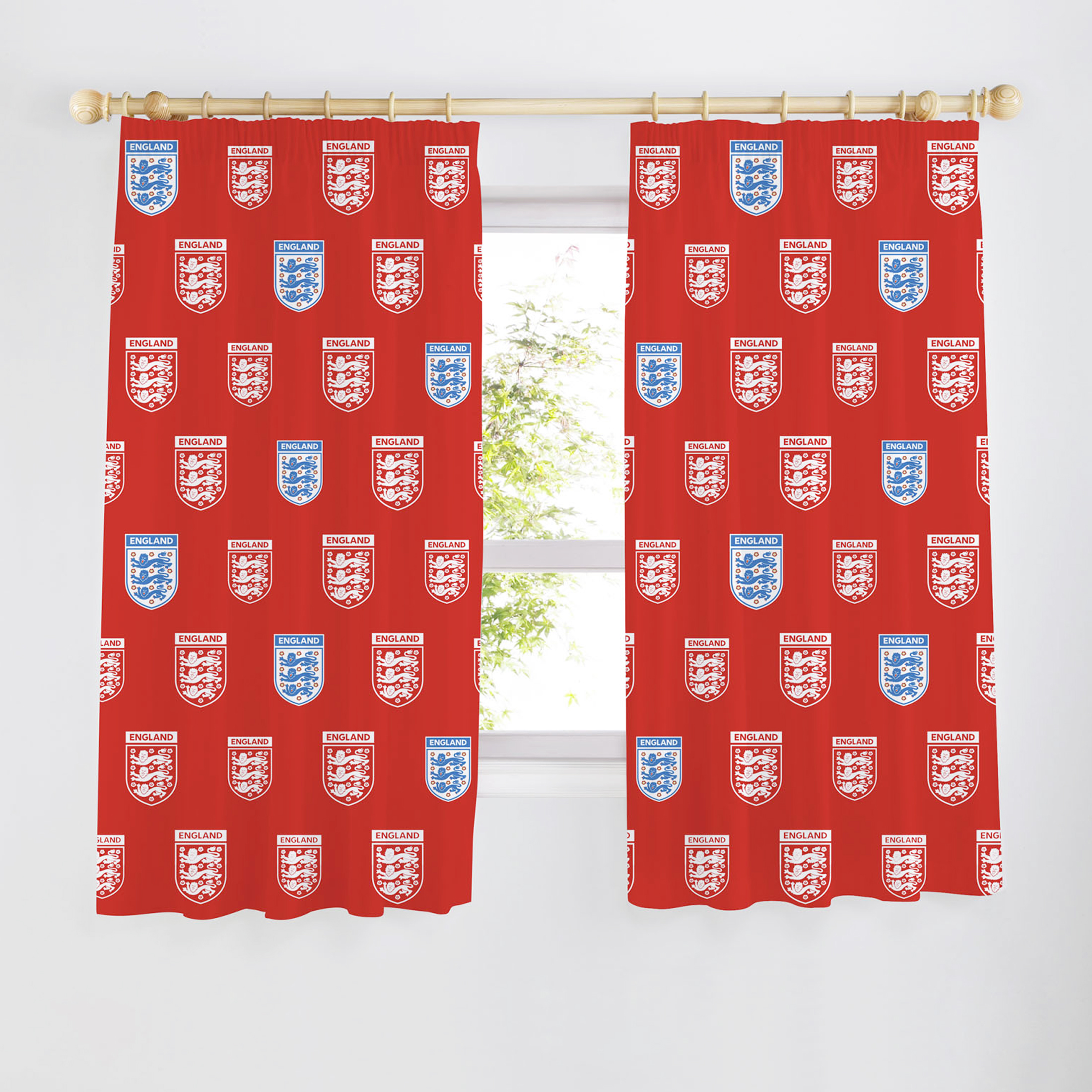 England FA Crest Curtains 54 inch - Red