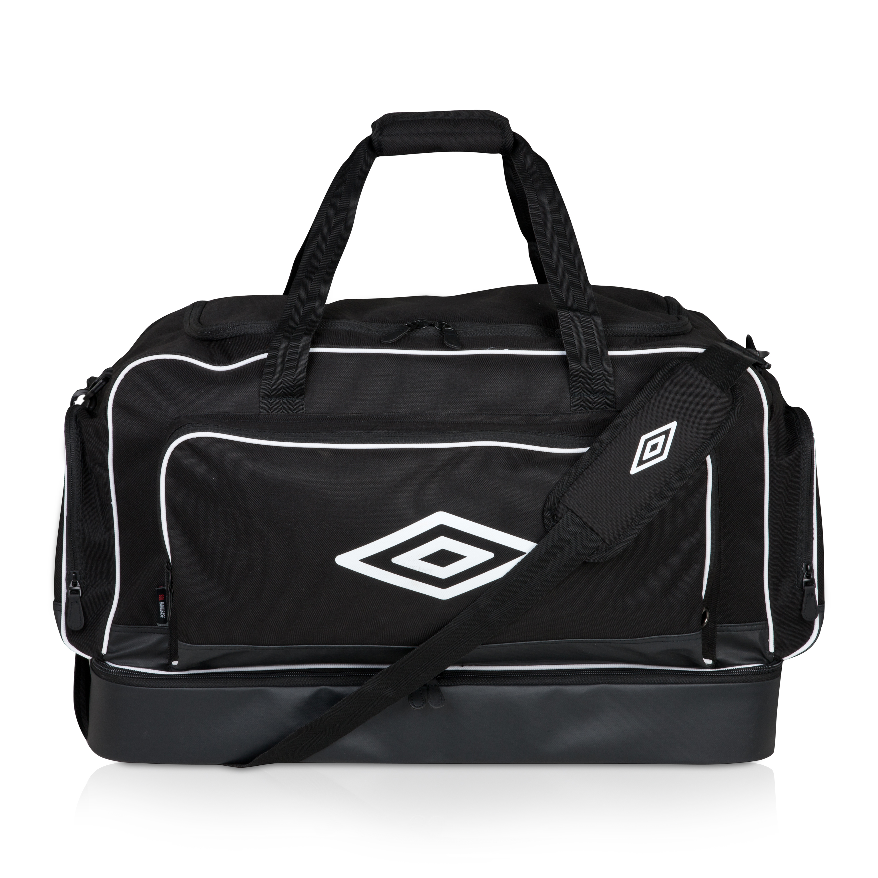 Umbro Medium Hardbase Holdall - Black / White