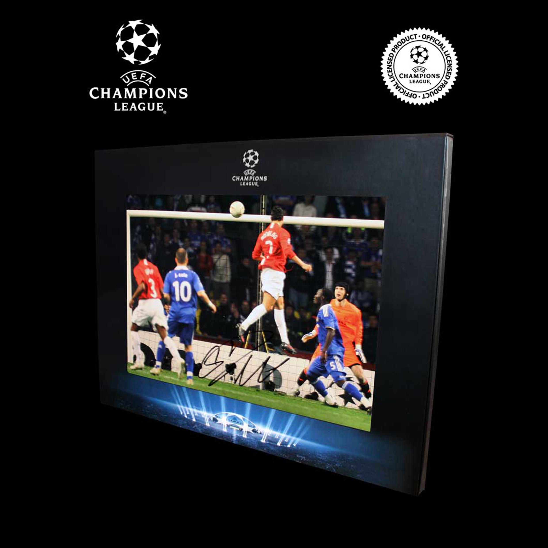 UEFA Liga de Campeones fotografía firmada de Cristiano Ronaldo en presentación de lujo: Gol de la victoria