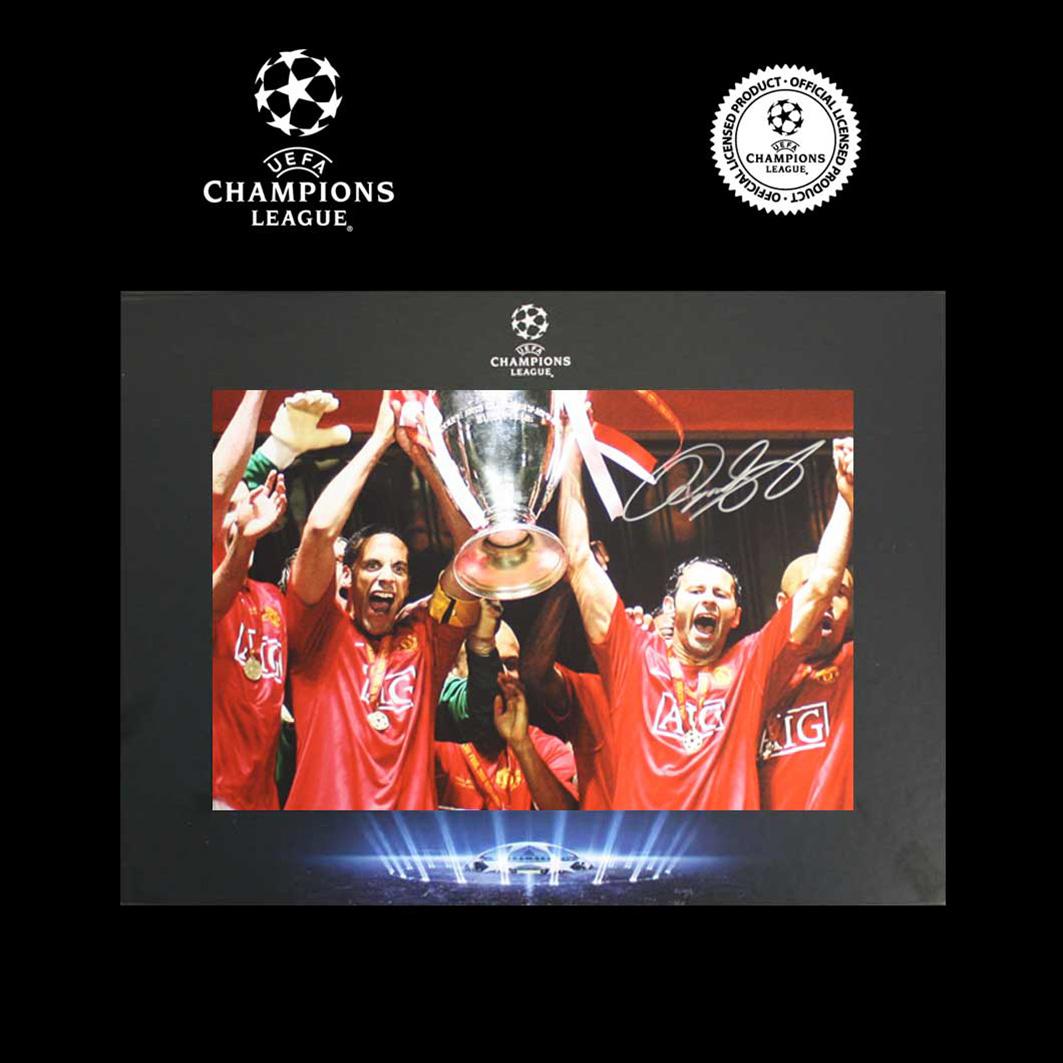 UEFA Champions League Ryan Giggs Signed Man Utd Photo In Deluxe Packaging: 2008 Winners