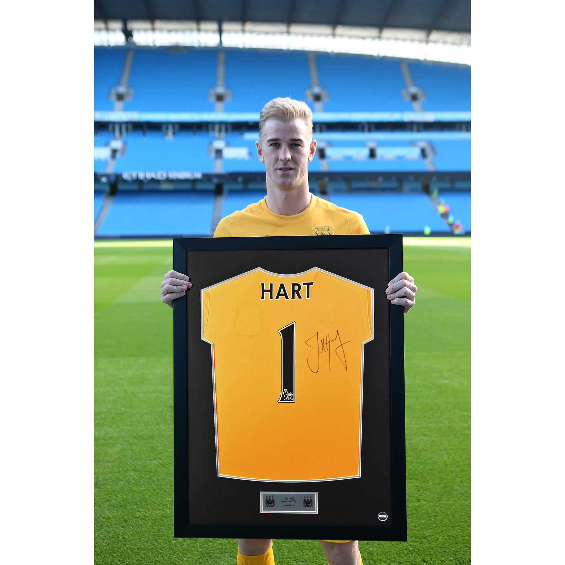 Manchester City Framed 2014/15 Home Shirt Signed - Joe Hart