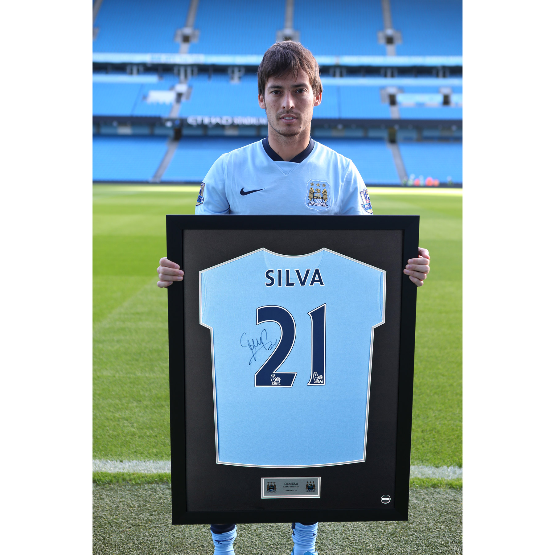 Manchester City Framed 2014/15 Home Shirt Signed - David Silva