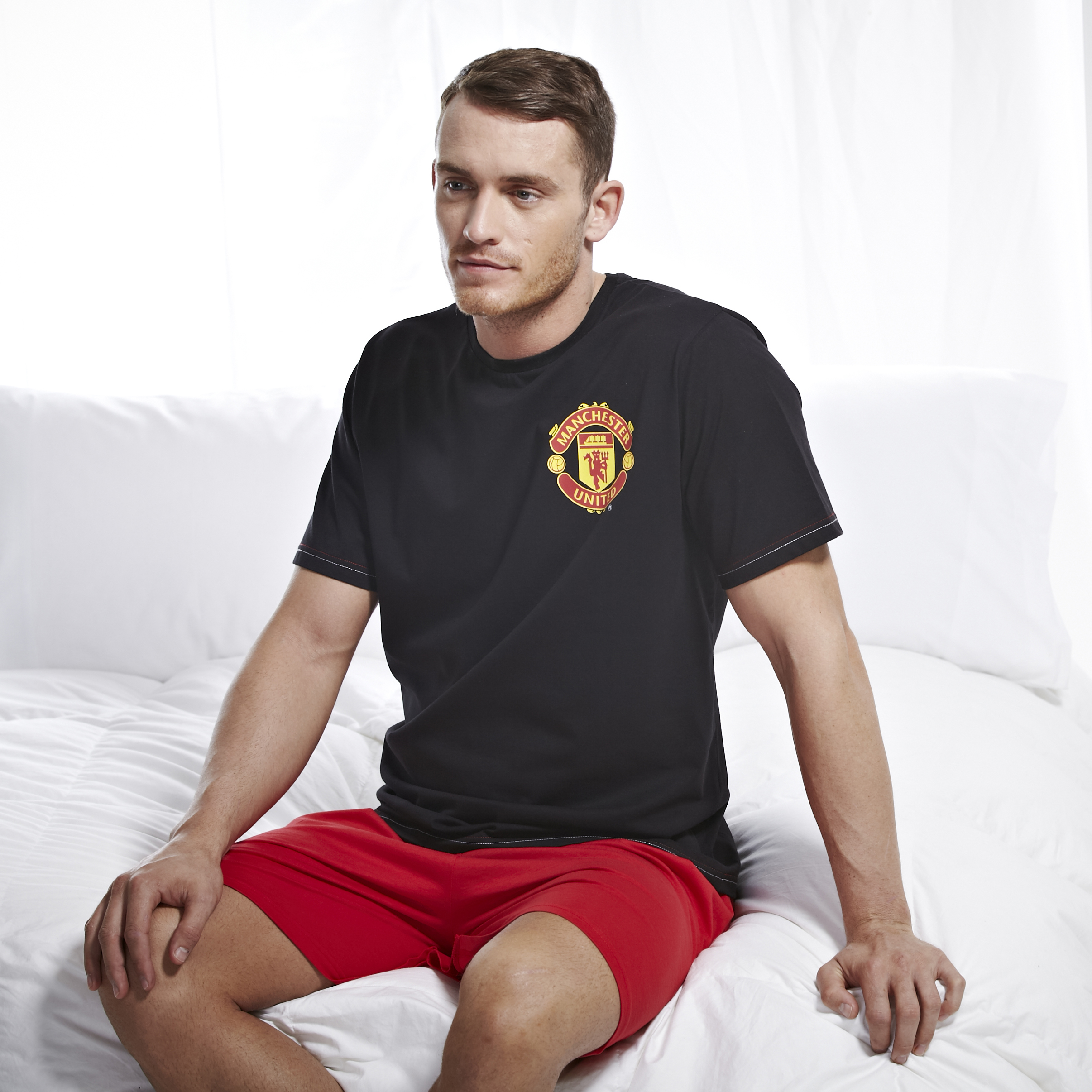 Manchester United Crest Shortie Pyjamas - Black/Red - Mens