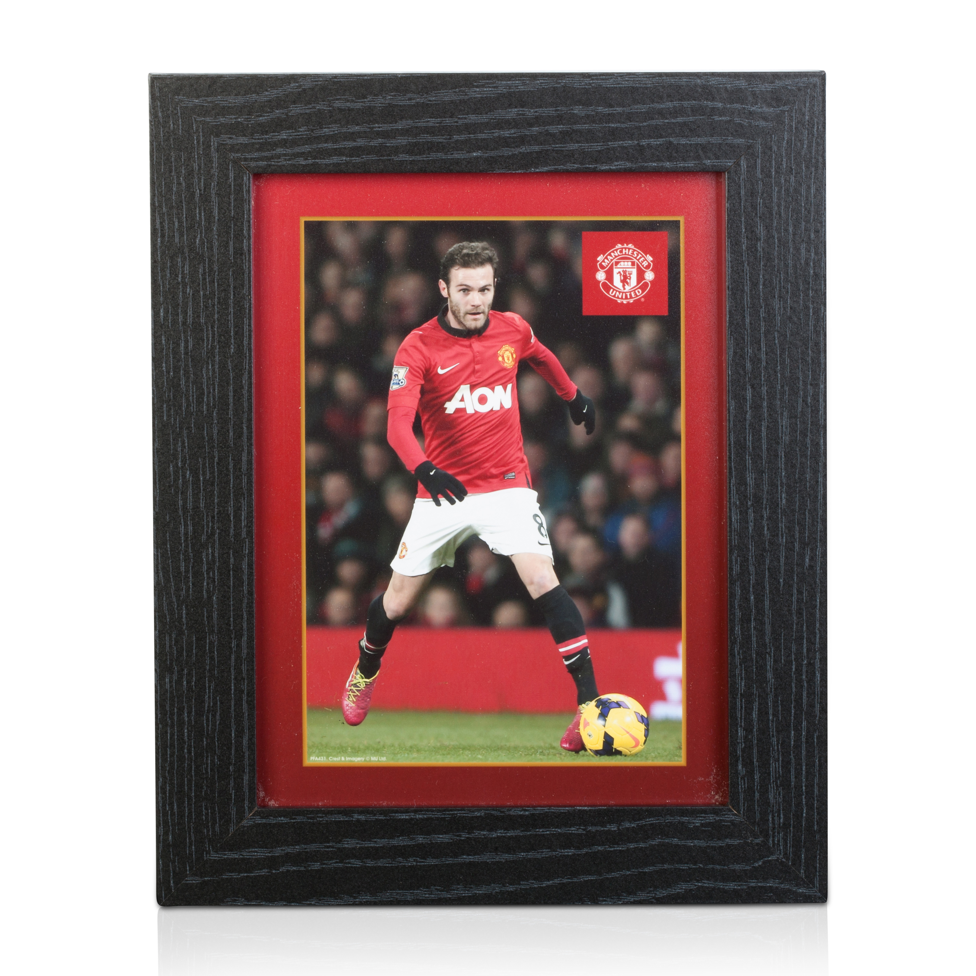 Manchester United 2013/14 Mata Framed Print - 8 x 6 Inch