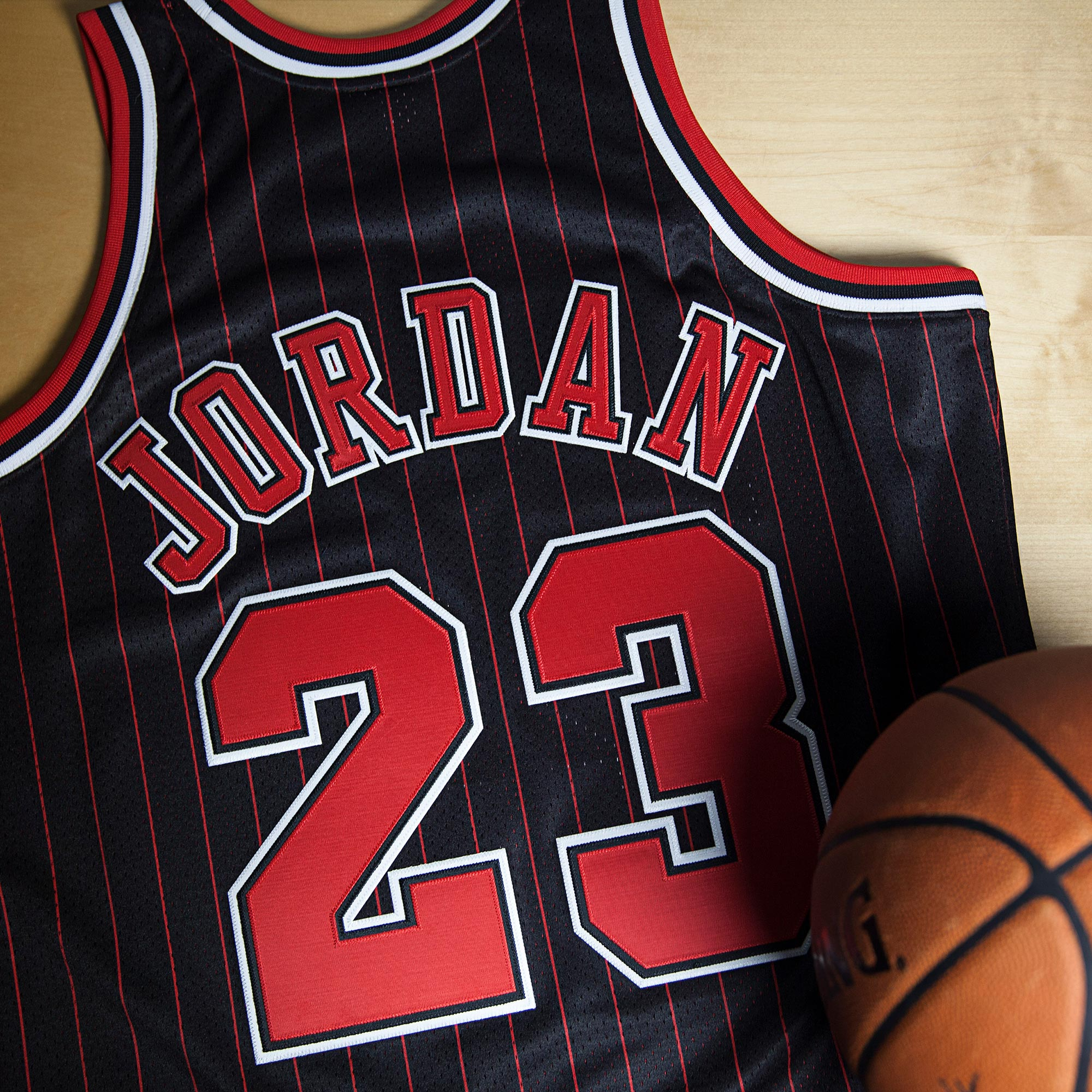 Chicago Bulls Michael Jordan 1996-97 Alternate 50th Anniversary Authen