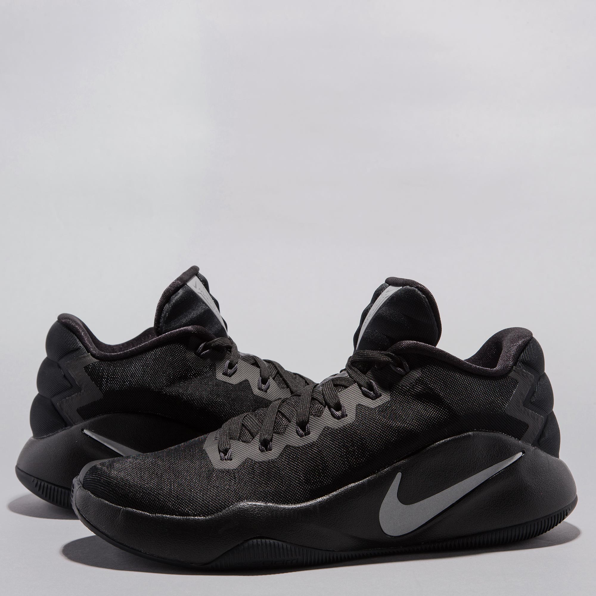Nike Hyperdunk 2016 Low Basketball Shoe - Black/Metallic Silver