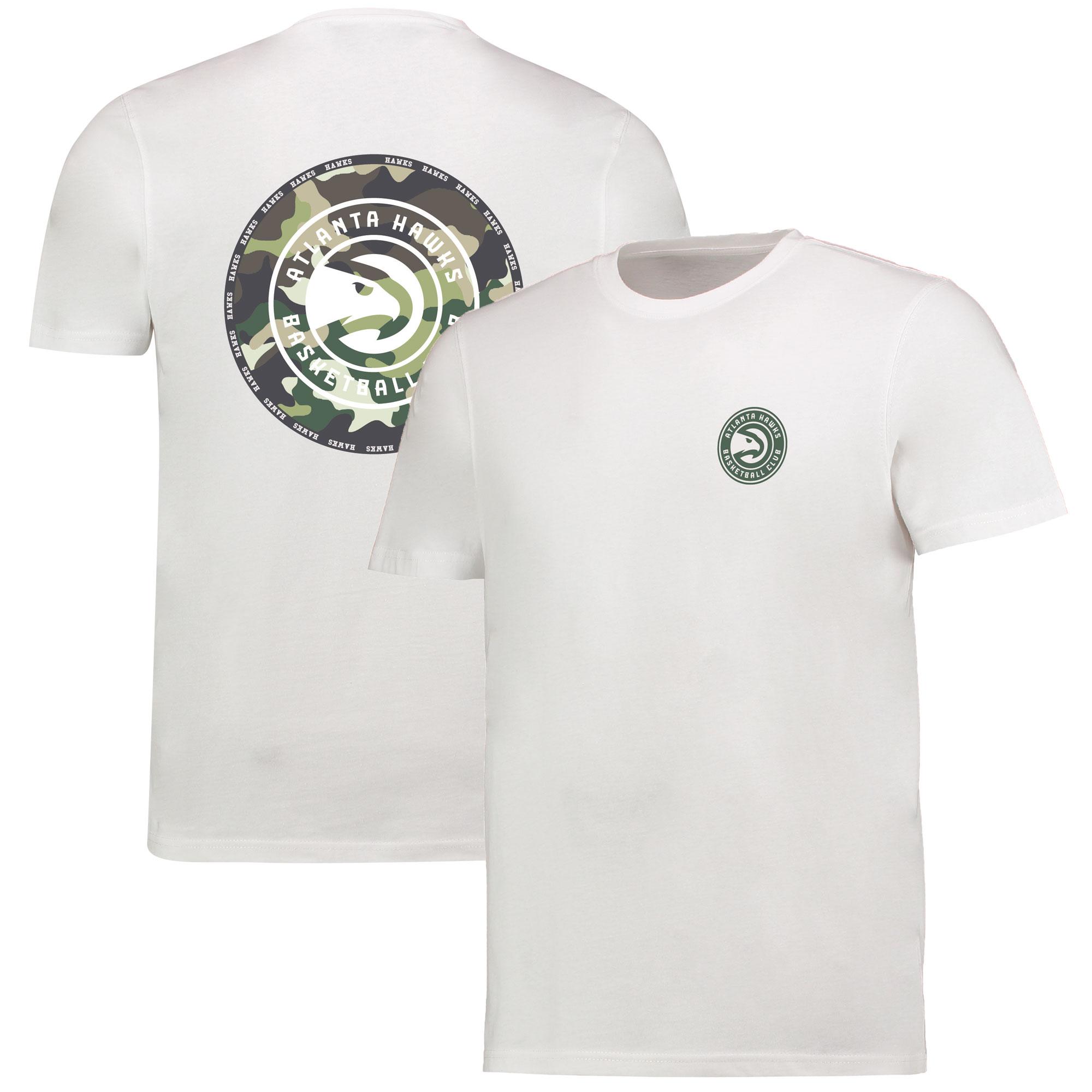 Camiseta de camuflaje con logotipo de los Atlanta Hawks en el centro en blanco para hombre